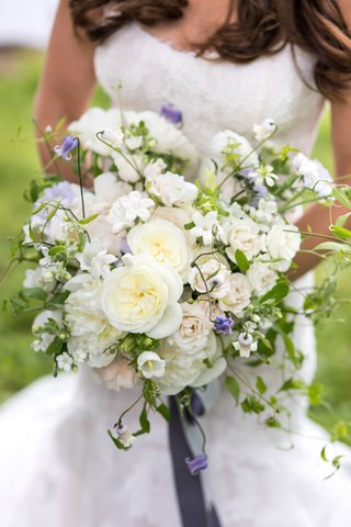 wedding-bouquet-ideas-white-rose-peony-campanula-flower-with-purple-sweet-pea-flowers-greens-ribbon