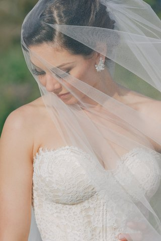celebrity-bride-wearing-erica-koesler-veil