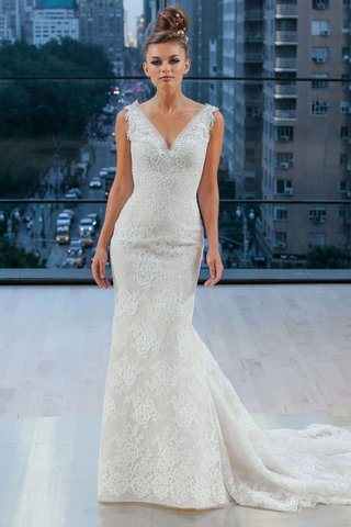 houston-ines-di-santo-fall-2018-v-neck-wedding-dress-lace-trumpet-fit-flare-gown-pleated-train