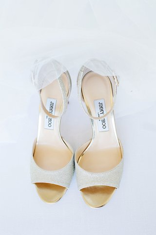 wedding-accessories-designer-jimmy-choo-peep-toe-pump-shoes-with-ankle-straps-tulle-veil