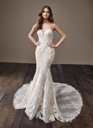 badgley-mischka-bride-2018-collection-wedding-dress-bobbi-strapless-lace-bridal-gown-train