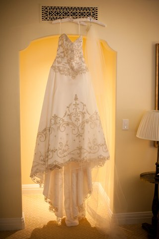 bodice-and-skirt-embroidery-on-white-wedding-dress
