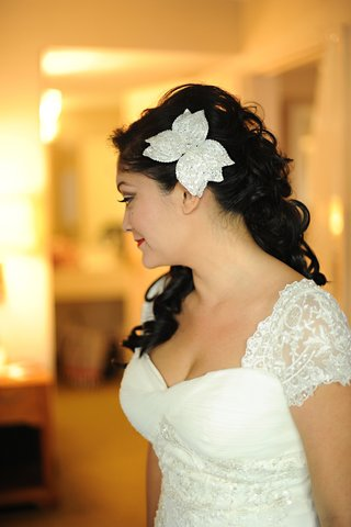 large-flower-hair-accessory-for-wedding-day