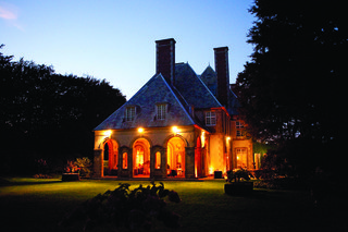 glen-manor-house-wedding-venue-at-night