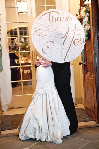 laura-hooper-calligraphy-thank-you-wedding-parasol