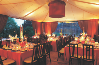 tented-wedding-reception-with-views-of-the-chicago-botanic-gardens-grounds