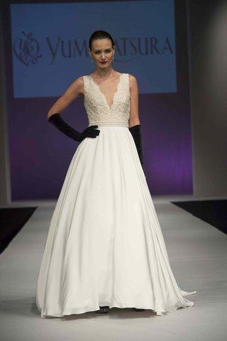yumi-katsura-fall-2016-v-neck-wedding-dress-with-crepe-a-line-skirt-and-lace-v-neck-bodice