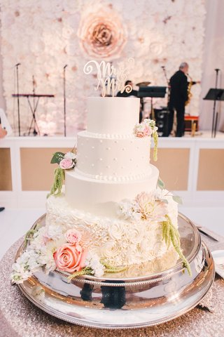 wedding-cake-with-fondant-layer-pearls-rose-base-with-fresh-flowers-and-mr-mrs-cake-topper