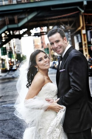 bride-and-groom-wedding-portrait-in-chicago