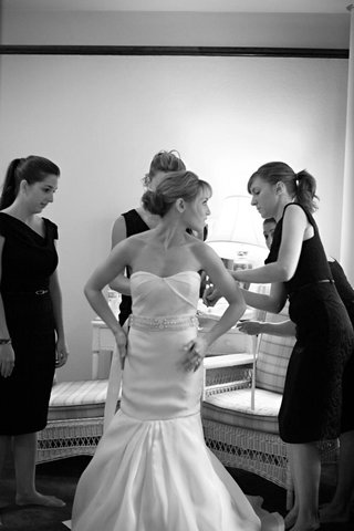 black-and-white-bridesmaids-help-bride-get-ready