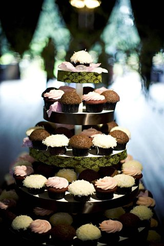 five-tiered-tower-of-cupcakes