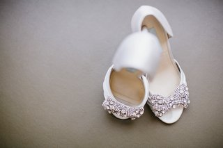 betsey-johnson-white-bridal-shoes-with-rhinestone-bow