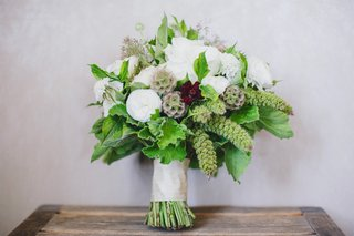 bridal-bouquet-with-white-flowers-greenery-and-scabiosa-pods