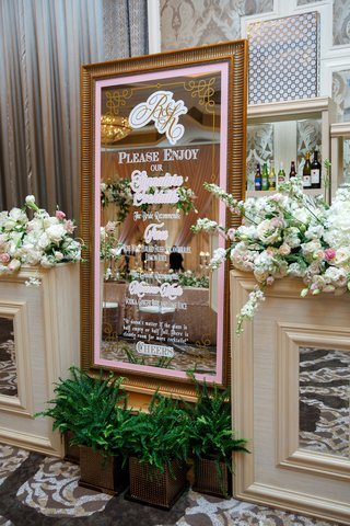 wedding-reception-signature-cocktail-menu-frose-moscow-mule-quote-gold-frame-mirror-flowers