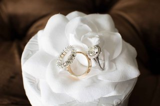 gold-band-diamonds-engagement-circle-halo-white-flower-jewelry