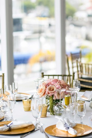 blush-roses-small-centerpieces-gold-chargers-gold-votive-candles