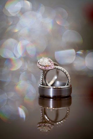 ashley-alexiss-wedding-engagement-ring-light-pink-diamond-halo-setting-pear-cut-diamond-teardrop