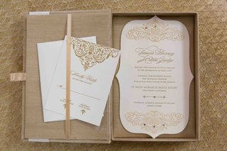 wedding-invite-in-plush-box-with-gold-details