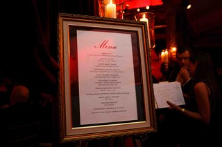 wedding-reception-menu-displayed-in-a-frame