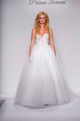 pnina-tornai-for-kleinfeld-2016-ball-gown-with-beaded-strapless-bodice