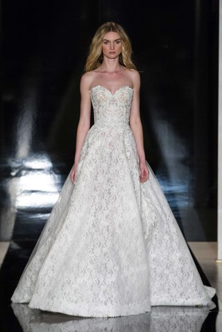 reem-acra-spring-2017-strapless-a-line-ball-gown-wedding-dress-in-lace-with-embroidery
