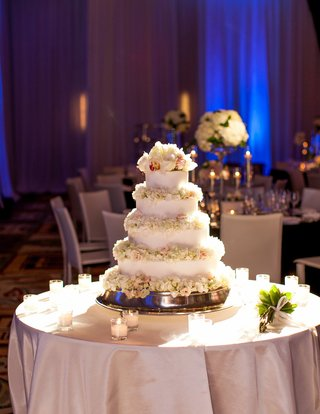 adrianna-costa-wedding-cake-with-fresh-flower-petals