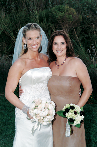 bride-and-bridesmaid-with-wedding-flowers