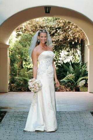 bridal-portrait-at-bacara-resort-in-santa-barbara