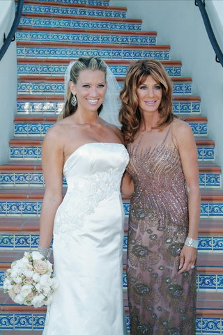 bride-with-mother-of-the-bride-in-front-of-spanish-stairs