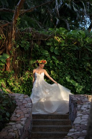 model-bride-lela-rose-the-altar-dress-embroidered-tulle-mexico-styled-shoot-jungle-wedding