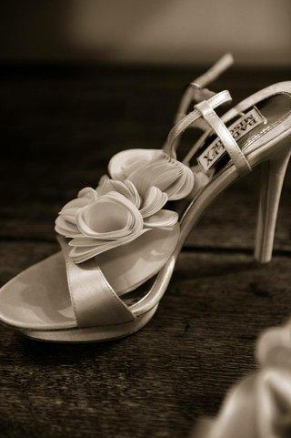 black-and-white-photo-of-badgley-mischka-bridal-heels