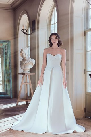sareh-nouri-spring-2019-swan-lake-collection-wedding-dress-octavia-strapless-pleated-gown