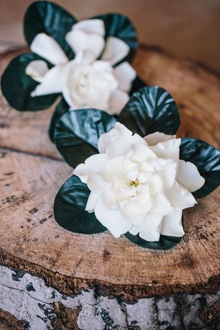 green-leaf-and-white-gardenias-for-groom-and-groomsman