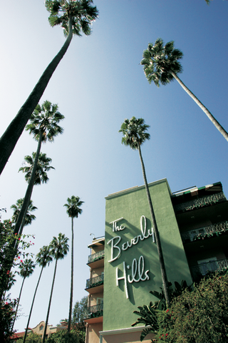 the-exterior-of-the-beverly-hills-hotel