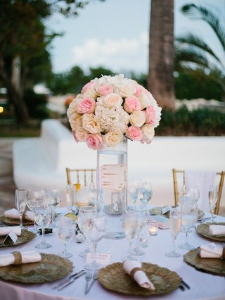 pink-flowers-in-a-vase-centerpiece-outdoor-reception