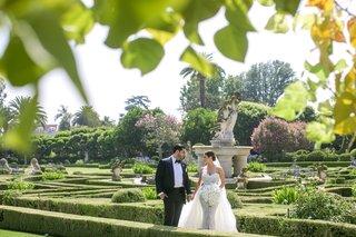 four-seasons-westlake-village-garden-hedges-wedding-portrait