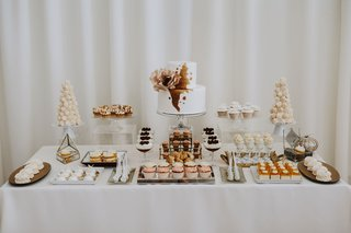 wedding-dessert-table-two-layer-cake-cupcakes-meringue-cookies-sweets-table-fall-colors