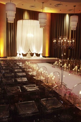 chicago-jewish-wedding-ceremony-with-white-chuppah
