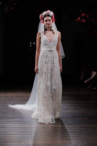 deep-v-sleeveless-wedding-dress-by-naeem-khan-fall-2016