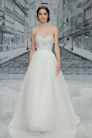 justin-alexander-spring-summer-2017-strapless-wedding-dress-with-corset-bodice-and-tulle-skirt