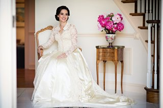 laura-breckenridge-wears-vintage-gown-with-long-sleeves-and-collar