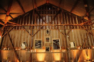 barn-wedding-with-mirror-and-candle-decorations
