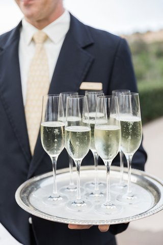 wedding-ceremony-cocktail-hour-champagne-in-flutes-with-round-silver-tray-outdoor-wedding