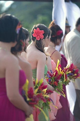 colorful-tropical-flowers-in-bridesmaid-bouquets