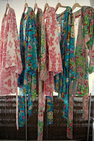 floral-print-robes-for-getting-ready-in-bridal-suite