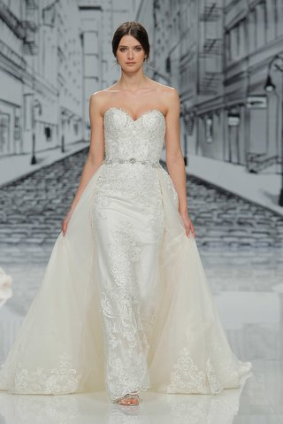 justin-alexander-spring-summer-2017-strapless-sweetheart-neckline-with-detachable-skirt-train-lace