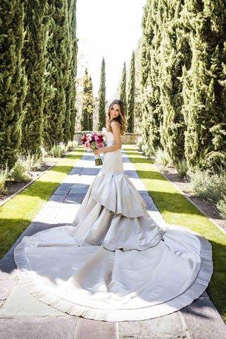 motley-crue-rockers-bride-in-elegant-wedding-dress