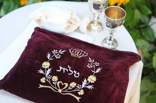 kiddush-cups-and-maroon-velvet-embellished-with-hebrew