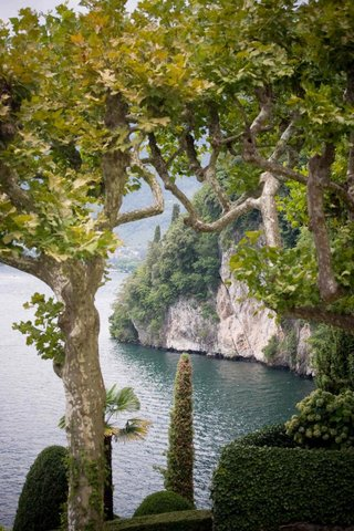 italian-wedding-venue-with-view-of-lake-como