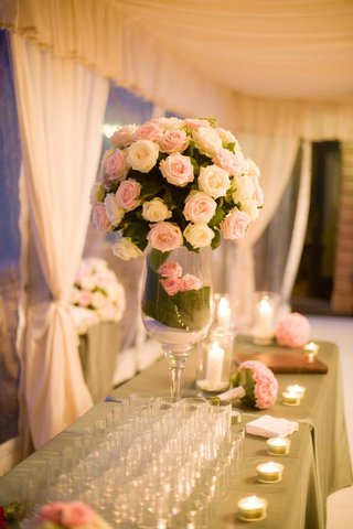 wedding-reception-flowers-with-pink-and-white-roses